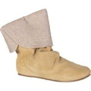 NEW Etnies Mid Calf Suede Boots Shoes Beige sz 9